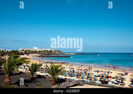 Strand, Playa de Cucharas, Costa Teguise, Lanzarote, Kanarische Inseln, Spanien - Stockfoto