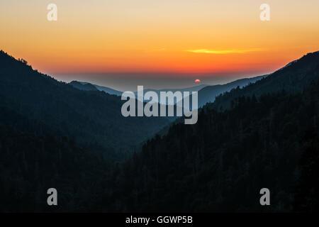 Sonnenuntergang in Mortons Overlook unter Newfound Gap an der Grenze zwischen Tennessee und North Carolina. Foto - Stockfoto