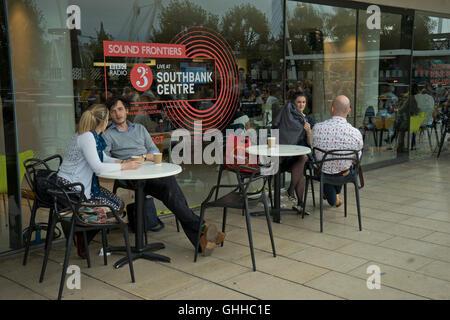 London,UK.28th September 2016. BBC Radio 3 Studio im Southbank Centre sieben Jahrzehnte der Musik und Kultur zu - Stockfoto