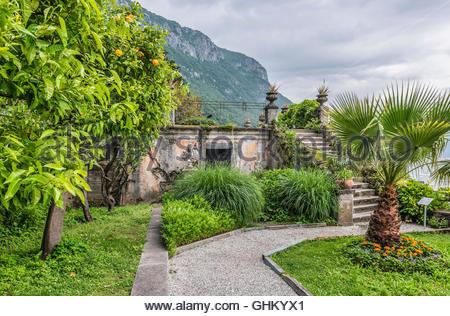 Grab der Familie in den Botanischen Garten von Villa Monastero, Varenna, Lombardei, Italien   Familiengrab Im Botanischen - Stockfoto