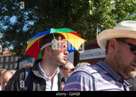 Vauxhall-London, UK. 12. August 2016. Große Massen von Cricket-Fans kommen am Tag2 des vierten Testspiel zwischen - Stockfoto