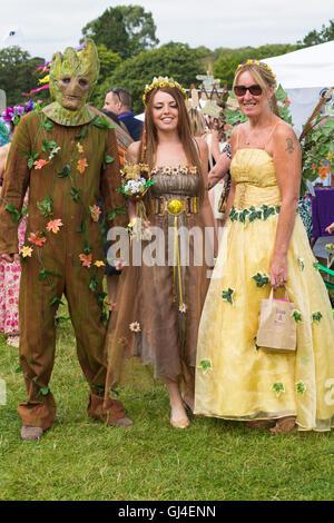 Burley, Hampshire, UK. 13. August 2016. Grüner Mann und Feen an der New Forest Fairy Festival, Burley, Hampshire, - Stockfoto