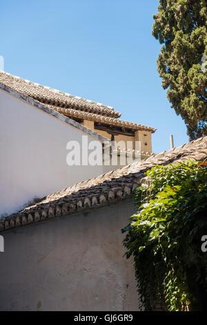 Detail der Dächer im Albayzín Barrio in Granada, Spanien. - Stockfoto