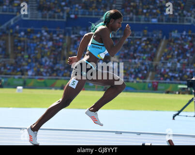 RIO DE JANEIRO, Brasilien - 13 AUGUST: Shaunae Miller Bahamas zum Jahresbeginn die Frauen 400m heizt während der - Stockfoto
