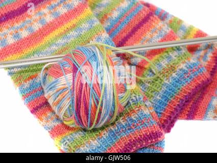 Nadeln-Socken stricken Stockfoto, Bild: 276315667 - Alamy