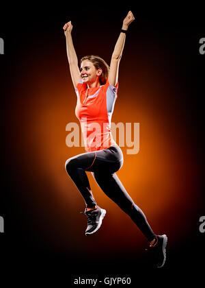 Die kaukasische junge Frau Läufer laufen Jogger jogging auf schwarzen Brackground isoliert - Stockfoto
