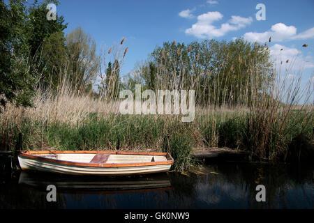 kleine Boote am Plattensee - Stockfoto