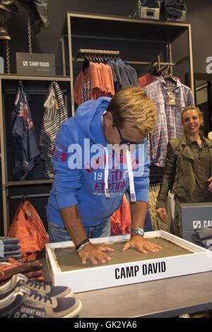 good out x half price best sneakers Dieter Bohlen öffnet der neue Store von Camp David