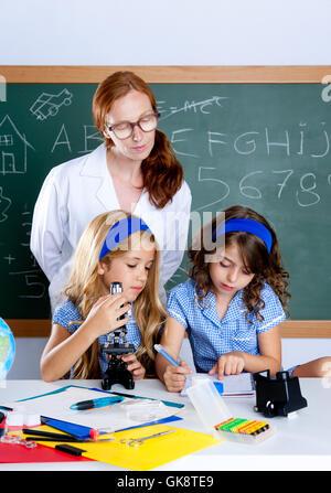 Frau Lehrer klein - Stockfoto