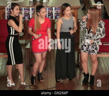 """London, UK. 27. August 2016. 4. Auswirkungen Sie der philippinischen Gruppe in einem Meet """"alle Mädchen und Schwestern,"""" - Stockfoto"""