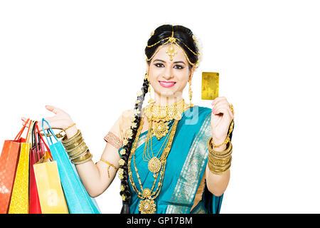 1 schöne Erwachsene Braut Tamil Frau Diwali Kreditkarte einkaufen - Stockfoto
