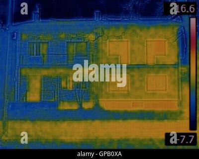 Wärmebild eines Semi-Einfamilienhäusern - Stockfoto