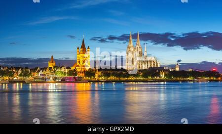 Köln Panorama Skyline der Stadt, Deutschland - Stockfoto