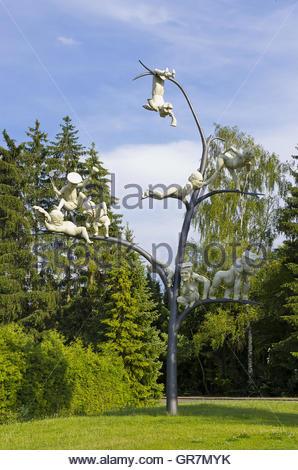 Der Schelmenbaum von Peter Lenk, Emmingen-Liptingen, Deutschland, gegründet und am 14. Oktober 2012 enthüllt.