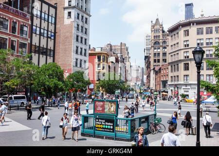 Manhattan New York City NYC NY Union Square street Szene 14. Straße-Union Square u-Bahnstation Eingang MTA öffentlichen - Stockfoto