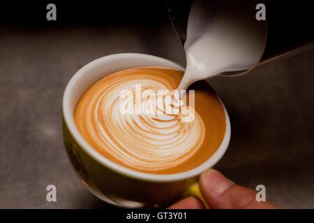 Cappuccino und Latte art