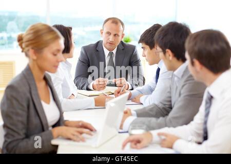 Business-Meeting am Konferenztisch - Stockfoto