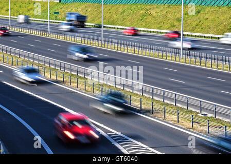 Sechs Kontrolliertzugang Schnellstraße in Polen. - Stockfoto