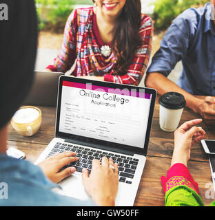Online-College-Anwendung-Form-Konzept Stockfoto, Bild: 118742186 - Alamy