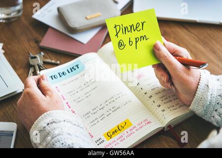 Weekly Planner Tagebuch organisieren Konzept Aufgabenliste - Stockfoto