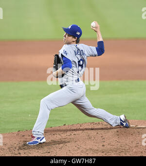 Miami, Florida, USA. 11. September 2016. Kenta Maeda (Schwindler) MLB: Kenta Maeda der Los Angeles Dodgers Stellplätze - Stockfoto