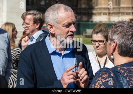 London, UK. Labour Party Leader Jeremy Corbyn zeigt Unterstützung für die Orgreave Wahrheit und Gerechtigkeit Kampagne - Stockfoto