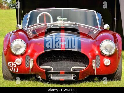 Legendäre Klassiker der 1960er Jahre zwei Sitzer Sportwagen - die AC Cobra-. Croft-Rennstrecke in Darlington 2016 - Stockfoto