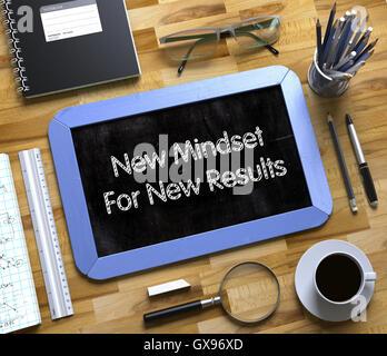 Kleine Tafel mit neuen Mindset für neue Konzept. 3D. - Stockfoto