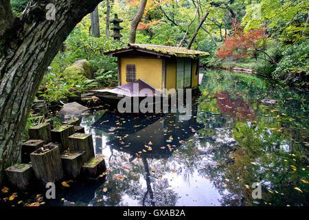 Japan, Insel Honshu, Kanto, Tokio, die Gärten im Nezu Museum. - Stockfoto