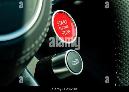 Hong Kong, China 7. Juli 2016: Audi R8 2016 Start Stop-Motor am 7. Juli 2016 in Hong Kong. - Stockfoto