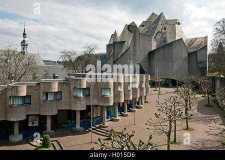 Nevigeser Wallfahrtsdom, St. Mary's Cathedral, Wallfahrtskirche und Kloster Neviges in Brutalist Architecture, Deutschland, - Stockfoto