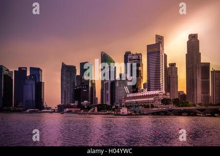 Singapur, Stadt, Nacht, Lichter, Reisen, Reiseziel, romantisch, Reflexion, Reflexionen - Stockfoto