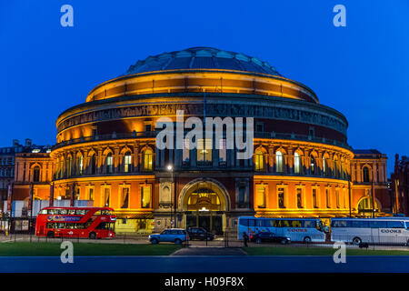 Die Royal Albert Hall bei Nacht, London, England, United Kingdom, Europe - Stockfoto