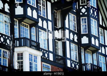 Foto einer deutschen Stil-Fassade mit Fachwerk, London, UK - Stockfoto