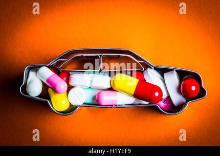 Llustration Medikamente und Nebenwirkungen auf das fahren. - Stockfoto