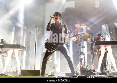 25. September 2016 - Las Vegas, Nevada, USA - DAVE 1 (DAVID MACKLOVITCH) und P-THUGG (PATRICK GEMAYEL) von Chromeo - Stockfoto