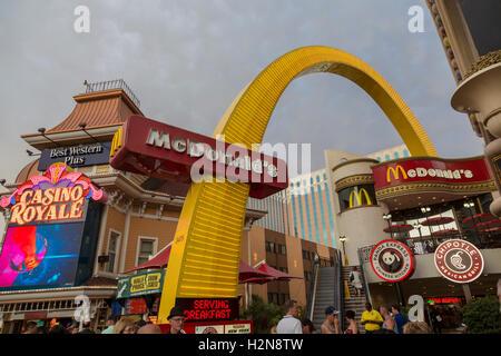 Las Vegas, Nevada - A McDonald's-Restaurant auf dem Strip. - Stockfoto