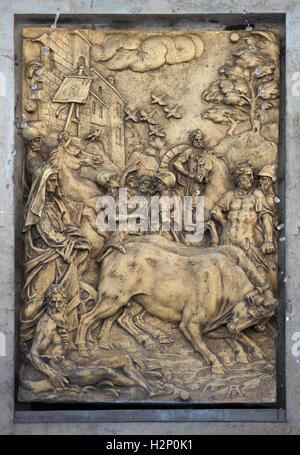 Gründung von Augusta Vinelicorum (Augsburg). Vergoldete Bronzerelief des niederländischen Manierismus Bildhauers - Stockfoto