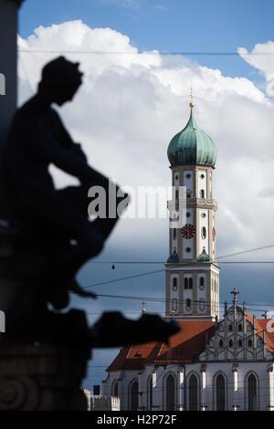 Heiligen Ulrich und Afras Basilika von deutschen entworfen Architekt Burkhart Engelberg in Augsburg, Bayern, Deutschland. - Stockfoto