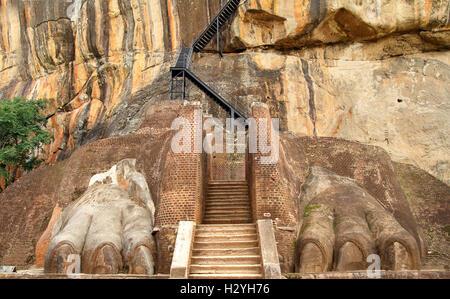 Sigiriya Löwen Pfoten - Stockfoto