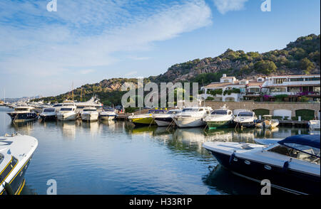 Poltu Quatu Resort Marina, Sardinien - Stockfoto