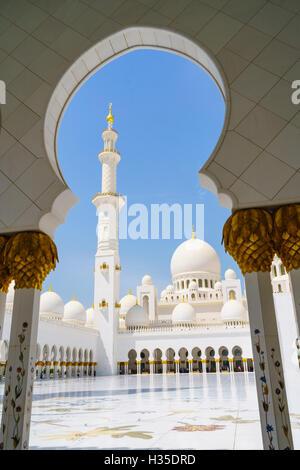 Sheikh-Zayed-Moschee, Abu Dhabi, Vereinigte Arabische Emirate, Naher Osten Stockfoto