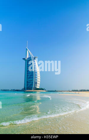 Hotel Burj Al Arab, Dubai Wahrzeichen, Jumeirah Beach, Dubai, Vereinigte Arabische Emirate, Naher Osten - Stockfoto