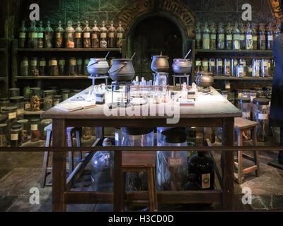 Harry Potter Zaubertränke Klasse von der Hogwarts Schule für Hexerei ...