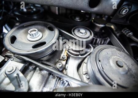 Kfz-Motor-Komponenten Stockfoto, Bild: 97128096 - Alamy