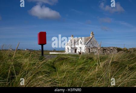 Traditionellen weißen gemalten Crofter Hütte, Gott Bay, Tiree, Inneren Hebriden, Argyll and Bute, Scotland - Stockfoto