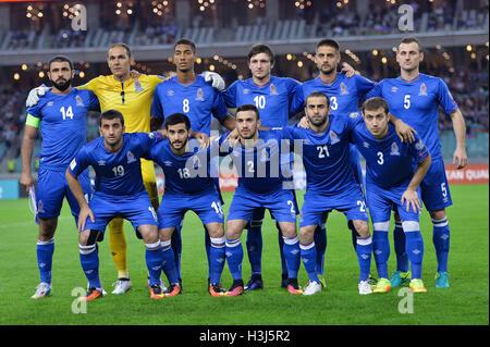 Baku Aserbaidschan 8 Oktober 2016 Haitam Aleesami 2 Von Norwegen In Aktion Gegen Aghabala Ramazanov 18 Von Aserbaidschan Wahrend Der Fifa Wm 2018 Qualifikation Fussball Match Zwischen Aserbaidschan Und Norwegen In Baku Aserbaidschan
