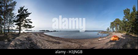 Ein camp Aussicht am Strand, Mossaholmen Insel, Pyhtää, Finnland, Europa, EU - Stockfoto
