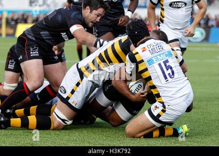 Barnet Copthall, London, UK. 9. Oktober 2016. Aviva Premiership Rugby. Sarazenen gegen Wespen. Billy Vunipola der - Stockfoto