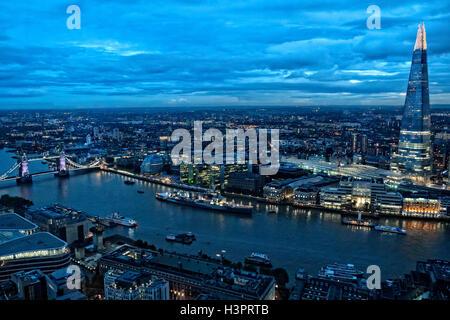 Blick vom Garten Skybar auf Top Og 20 Fenchurch St Stadt von London UK - Stockfoto